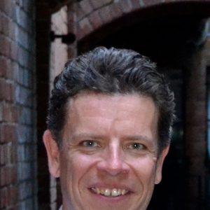 Dr Nicholas Crump